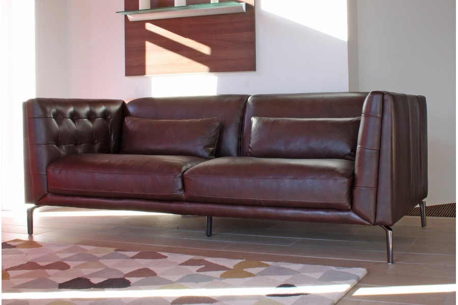 Manhattan midi sofa in tobacco leather